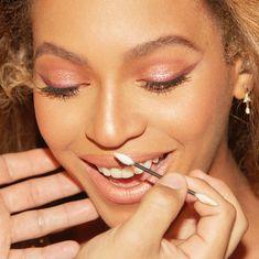 9 more shows. Houston I'm home! Beyonce Makeup, Coachella Makeup, Beyonce Coachella, Glam Makeup, Beyonce Beyonce, Makeup Inspo, Beauty Makeup, Beyonce Knowles Carter, Eyebrows