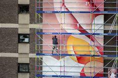 Guillaume Bottazzi – Tableau en cours de réalisation Les visiteurs peuvent observer la peinture en cours de réalisation Visitors are invited to observe the work in progress.