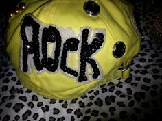 Peace & Rock hat