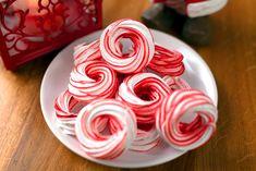 A habkarika a karácsony jellegzetes készítménye. A gyerekek imádják a könnyű és édes rágcsálnivalót, de tartósságának köszönhetően ehető karácsonyi dekoráció...