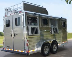 4-Star Champagne Metallic 3H Slant Load BP with Hay Rack, Drop Downs on Hip and 50/50 Rear Doors (800) 848-3095