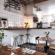 Copenhagen | Spisehuset A stunning little restaurant with four-course, snack, and cheese menus. There's local and seasonal handmade beers and organic wine. All at a great value. Only open on evenings from Wednesday to Saturday.