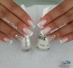 Learn How to Make Nails with Strass the best way! Definitive Guide - Decoration and Fashion Bridal Nails Designs, Fall Nail Art Designs, Toe Nail Designs, Beautiful Nail Designs, Rhinestone Nails, Bling Nails, Red Nails, Gold Manicure, Shellac Nails