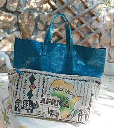 ¡Buenos días a todos! Empezamos semana con un precioso shopper de Braccialini en una piel exquisita y con pochette dedicado a África. ¡Y está de oferta! Entra y mira http://www.nupani.com/bolsos/349-bolso-shopper-braccialini-for-africa-azul-jade.html