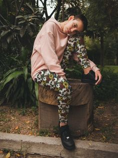 #leggings #legging #yogapant #patterndesign #surfacedesign #pattern #etsy #etsyseller #redbubble #society6 #clothing #women #apparel #outfit #fashion #style #trendy #trending #shopsmall #onlineshop #cute #printondemand #printify #activewear #gymclothing # workoutpant #animal #farm #flower #floral #cow #pig #rabbit #goat #cottagecore