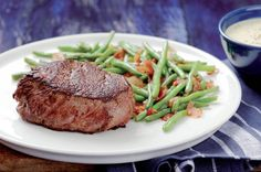 Hovězí biftek s fazolkami na slanině | Apetitonline.cz Food 52, Steak, Cooking, Health, Fitness, Roast Beef, Kitchen, Health Care, Steaks
