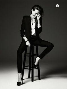Angelina Jolie ELLE MINIMAL + CLASSIC