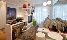 Cores claras, espelho, cadeiras transparentes e muito sofisticação!     Cores   Cores neutras: Todo espaço pequeno requer cores claras...