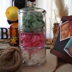 Görüntünün olası içeriği: 1 kişi Mason Jars, Instagram, Mason Jar, Glass Jars, Jars