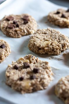 Au fil des clics, je suis tombée sur le blog de Handymania. «How to make 2 ingrédients Cookies». Là je me suis dit, il FAUT que j'essaie! Surtout que je suis dans ma p…