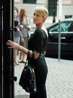 Robin Wright, House of Cards. Love the hair and her whole style.