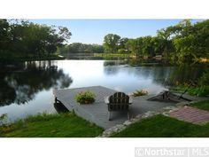 Great lake deck! This looks like our lake cove!