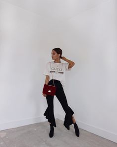 "13.4 k likerklikk, 123 kommentarer – Alicia Roddy (@lissyroddyy) på Instagram: ""Wearing these trousers at every possible chance """