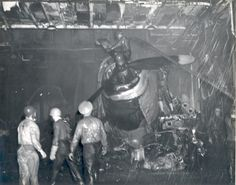 [Photo] Damage control parties trying to bring fires under control on the han. Navy Aircraft, Ww2 Aircraft, Aircraft Carrier, Science Experiments Kids, Science For Kids, Uss Intrepid, Remember Pearl Harbor, Avengers Tattoo, Military Diorama