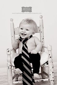@Heather Creswell Blackburn with brandon's tie Great idea for baby picture! Baby photo.