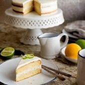 Pastel de Limón Amarillo con Cubierta de Queso Crema