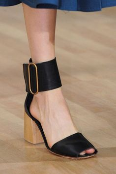 nice Lemaire at Paris Spring 2016 (Details) by http://www.globalfashionista.xyz/paris-fashion-weeks/lemaire-at-paris-spring-2016-details/