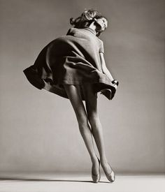 Veruschka. Photo: Richard Avedon. Dress by Bill Blass.