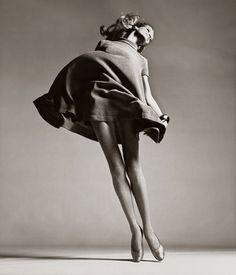 Veruschka. Photo: Richard Avedon. Dress by Bill Blass.