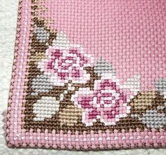 Vintage Cotton Table Runner with Embroidered Roses. by Deccorista