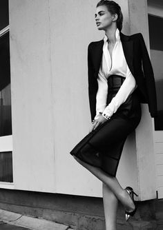 Street style and classy White Fashion, Look Fashion, Timeless Fashion, Fashion Beauty, Fashion Outfits, Classic Fashion, Fashion Design, Style Work, Style Me