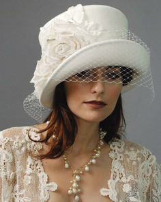 Bridal Top Hat by Suite 101 -the Suite 101 website is no longer online : (