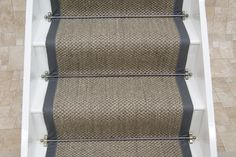 Sisal Oriental Pewter with leather border Stairs Width, Stairs Edge, Front Stairs, Sisal Stair Runner, Stair Runners, Gallery Wall Staircase, Staircase Ideas, Wilton Carpet