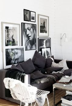 A new picture wall Living Dining Room, Room Decor, Room Inspiration, Interior Design, Gallery Wall Living Room, Apartment Decor, Living Room Inspiration, Home, White Wall Decor