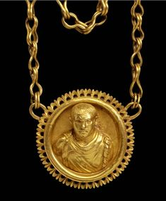 Gold chain with a portrait medallion, Roman, ca 200 A.D.
