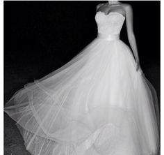 Pretty flow wedding dress