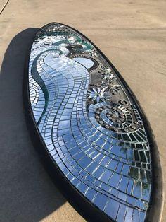 I Created A Mostly Mirror Mosaic Surfboard - Mirrors Mirror Mosaic, Mosaic Diy, Mosaic Garden, Mirror Art, Mosaic Wall, Mosaic Glass, Glass Art, Sea Glass, Mosaic Designs