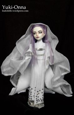 Yuki-Onna (Spectra). Repaint & clothes by Leaf's Dolls.