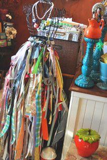Polly McMillan, I love your idea for spare ribbon! So fun!