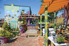 Hit the Street: North Side - Grab a sandwich, stroll around the park and walk through an art-installation museum – you won't run out of things to do in the North Side. #Pittsburgh #Neighborhoods #NorthSide