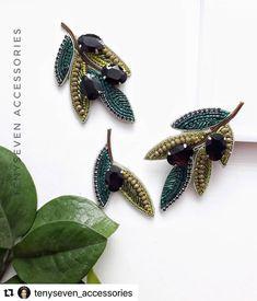 Women's Brooches, Brooches Handmade, Handmade Beads, Handmade Jewelry, Bead Embroidery Jewelry, Beaded Jewelry Patterns, Beaded Embroidery, Beaded Brooch, Beaded Earrings