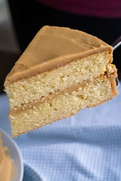 Southern-Style Caramel Cake – 12 Tomatoes Homemade Cake Recipes, Pound Cake Recipes, Baking Recipes, Dessert Recipes, Easy Desserts, Bread Recipes, Salted Caramel Cake, Caramel Icing, Toffee Cake