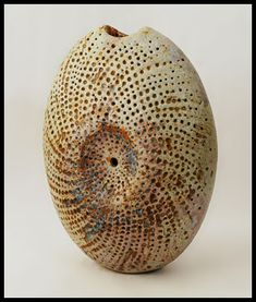 Alan Wallwork - pod form vessel