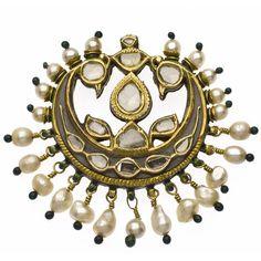 A Diamond and Basra Pearl Tikka. - Susan Ollemans Oriental Art