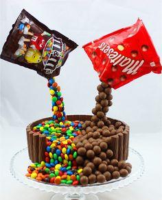 Illusion Candy Cake mit M&Ms und Maltesers, ein schönes Rezept aus der Kategorie Party. Bewertungen: 8. Durchschnitt: Ø 3,6.