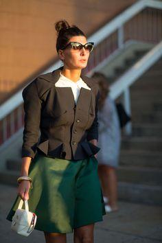 New York Fashion Week Spring 2016 Street Style - Minimal. Street Style 2016, New York Fashion Week Street Style, Spring Street Style, Nyc Fashion, Fashion 101, Street Style Looks, Fashion Editor, Style Fashion, Fashion Women