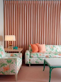 Sunnylands, the peach guest room, which features peach-and-green flowered furniture, peach wall-to-wall carpeting, and peach-and-cream striped curtains. (Even the jelly beans put out for guests were peach-colored.) Peach Bedroom, Peach Walls, Striped Curtains, Pink Room, Color Studies, Art Decor, Home Decor, Decor Ideas, Mid Century Design