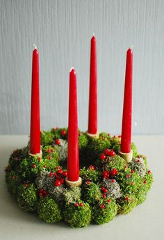 Check out this item in my Etsy shop https://www.etsy.com/listing/489215963/advent-wreath-moss-wreath-winter-wreath