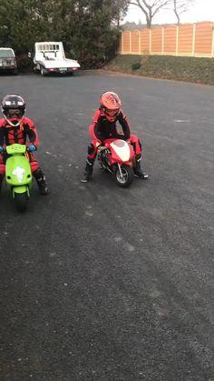 Girl Riding Motorcycle, Motorcycle Humor, Kids Motorcycle, Kids Bike, Biker Girl, Motocross Love, Motocross Bikes, Cool Motorcycles, Sport Bikes