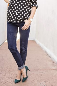 dots + jeans + green heels Green Pumps, Autumn Fashion, Women's Fashion, Heels Outfits, Green Suede, Types Of Fashion Styles, Alexander Mcqueen, Outfit Ideas, Dots