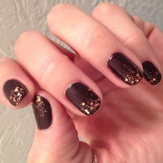 I faded glitter for this nail art manicure. I love the color combo of deep wine and copper. Nail Polish: Essie - Carry On, Sephora by OPI - Traffic Stopper Copper, Seche Vite - Dry Fast Top Coat