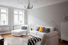 Paredes grises muebles blancos suelo de madera interiores pisos pequeños nórdicos inspiración salón ikea estilo nórdico sencillo estilo nórd...