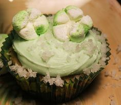 Recipe Tropical Coconut Lime Cupcake Recipe with Cream Cheese Frosting - Petit Chef... YUMMY