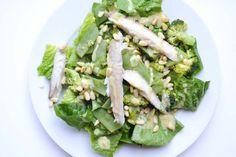 Knapperige groene groenten domineren in deze salade met makreel. En dat maakt hem perfect voor een slanke avondmaaltijd. Op naar 250 gram groente!