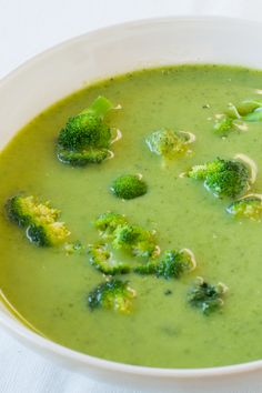 To make this recipe super-fast, steam broccoli in an Epicure steamer for minutes. Make it a Perfectly Balanced Plate & Serve with (or add to soup): 1 serving protein and 1 serving grain/starch Real Food Recipes, Soup Recipes, Cooking Recipes, Fast Healthy Meals, Healthy Recipes, Epicure Recipes, Cream Of Broccoli Soup, Low Sodium Recipes, Healthy Options