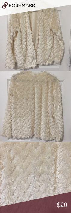 Textured Cardigan Textured cream cardigan ! 100% Polyester! H&M Jackets & Coats